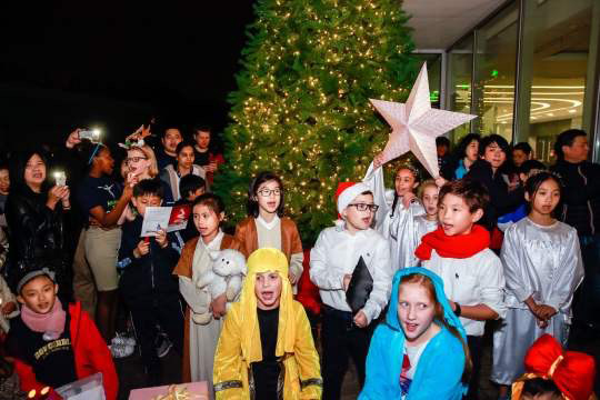 Concordia Brightens Up the Holiday Season with Community Tree Lighting Event